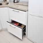 Leaside Modern Kitchen Box Design